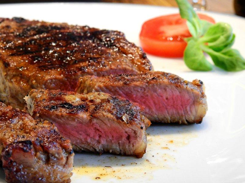 40140-steak-2272464_1920.jpg